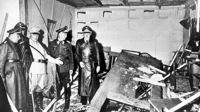 Adolf Hitler und Eva Braun mit 530 nach Argentinien