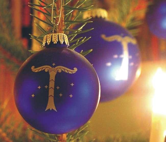 Jul-Schmuck am Weihnachtsbaum